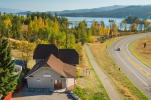 Spoke and Paddle Lodge | Rental Home